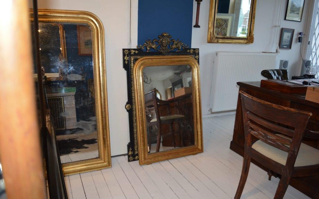 Wij beschikken over een diversiteit aan Franse antieke spiegels