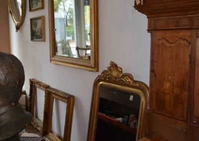 We beschikken een diversiteit aan antieke Franse spiegels