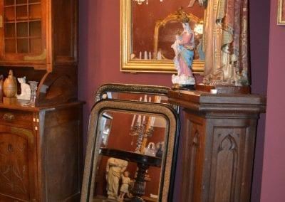 Wij beschikken over een diversiteit van antieke Franse spiegels