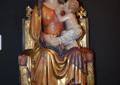 neo-gothiek houten sculptuur (sedes sapiens)